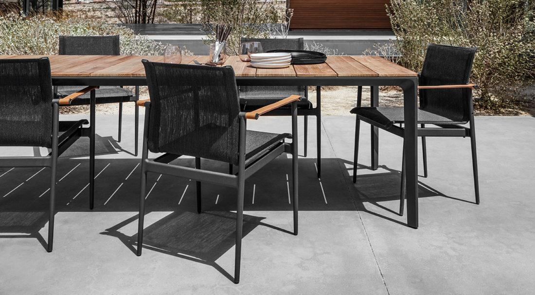 Tisch + Stühle mod. CARVER