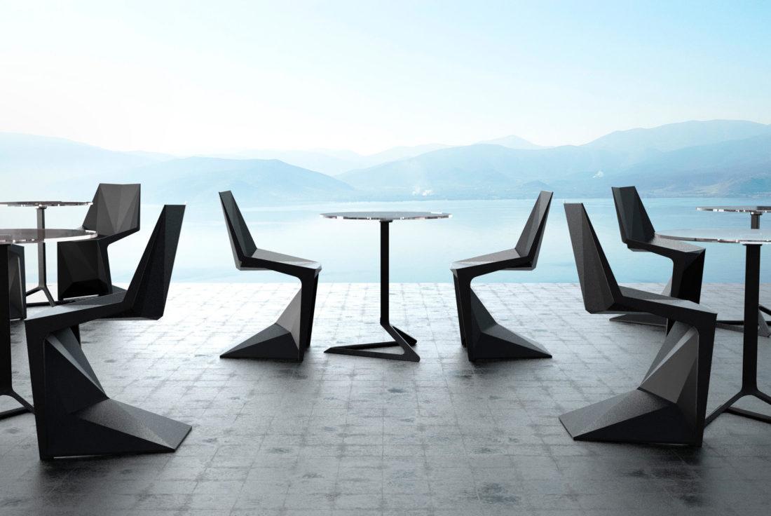 Tisch und Stühle mod. VORTEX